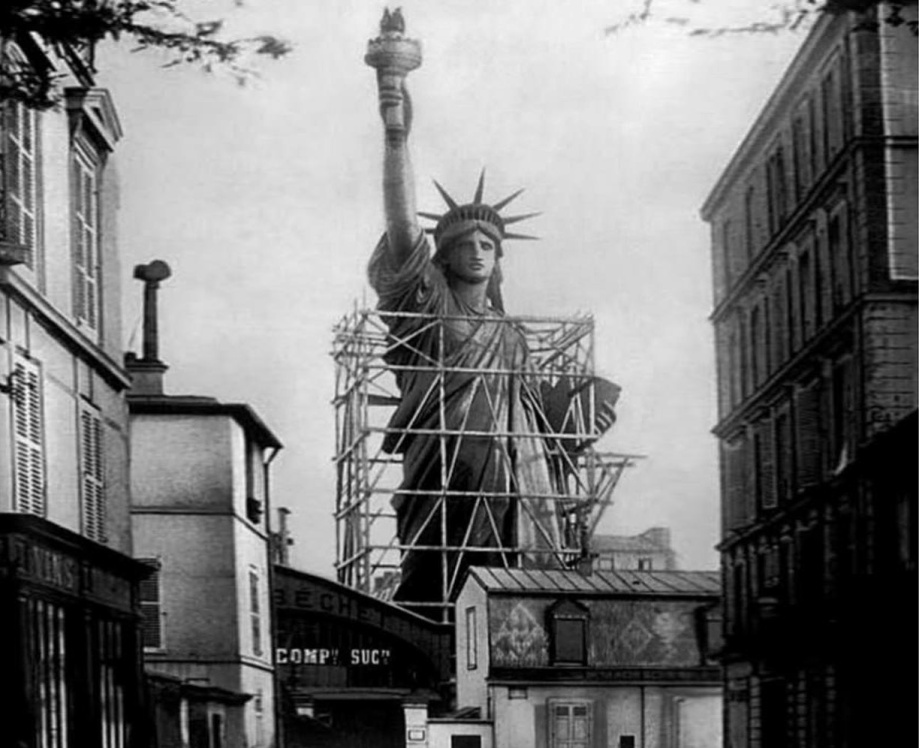 statue-of-liberty-construction-historic-photo